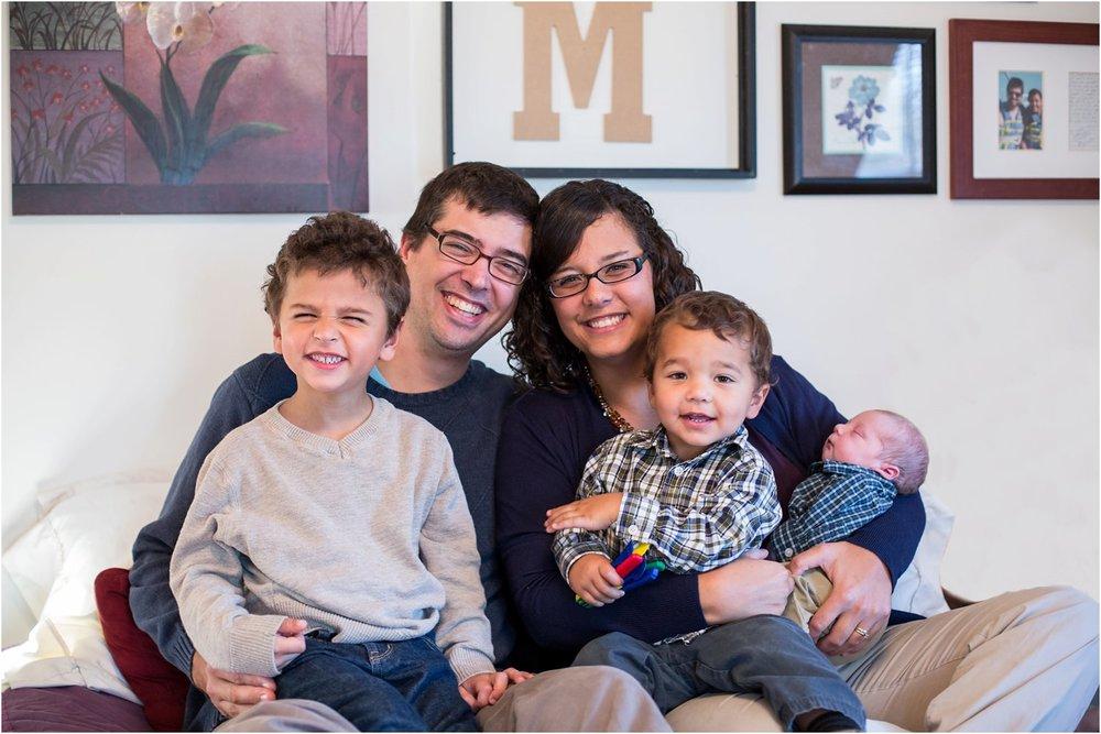 Harrisonburg_Newborn_Family_Portraits_0006.jpg