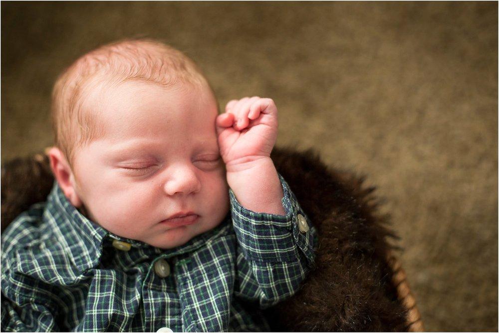 Harrisonburg_Newborn_Family_Portraits_0018.jpg