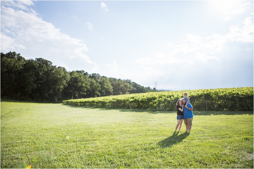 Barren_Ridge_Vineyard_VA_Family_Photography_0005.jpg