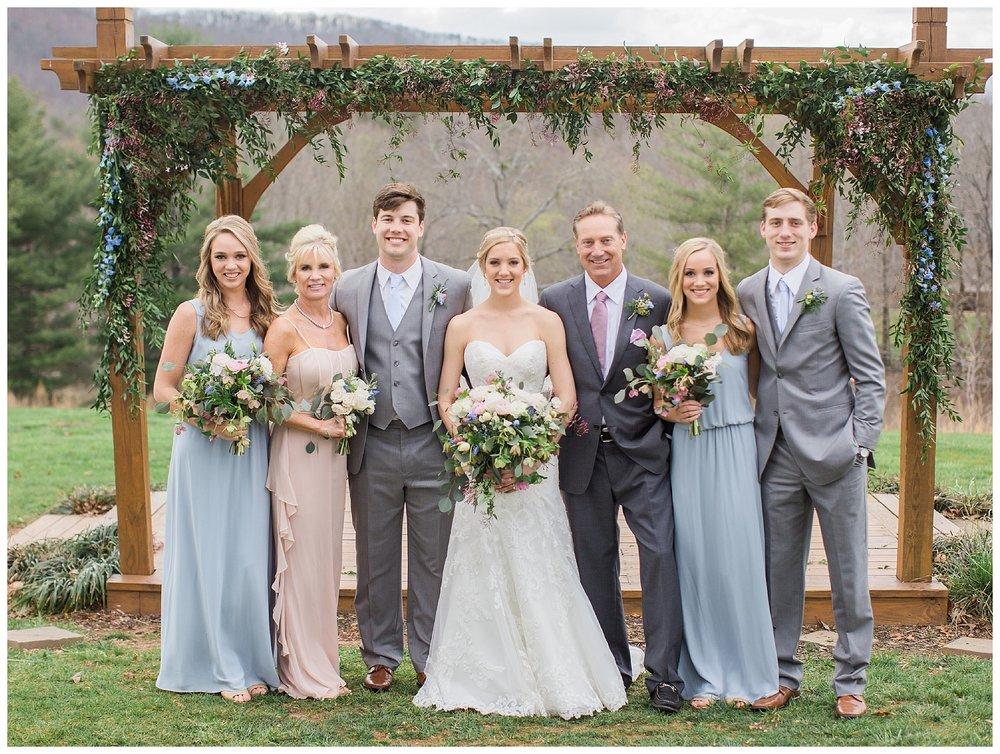 white-oaks-barn-dahlonega-wedding-photographer-christina-pugh_0030.jpg