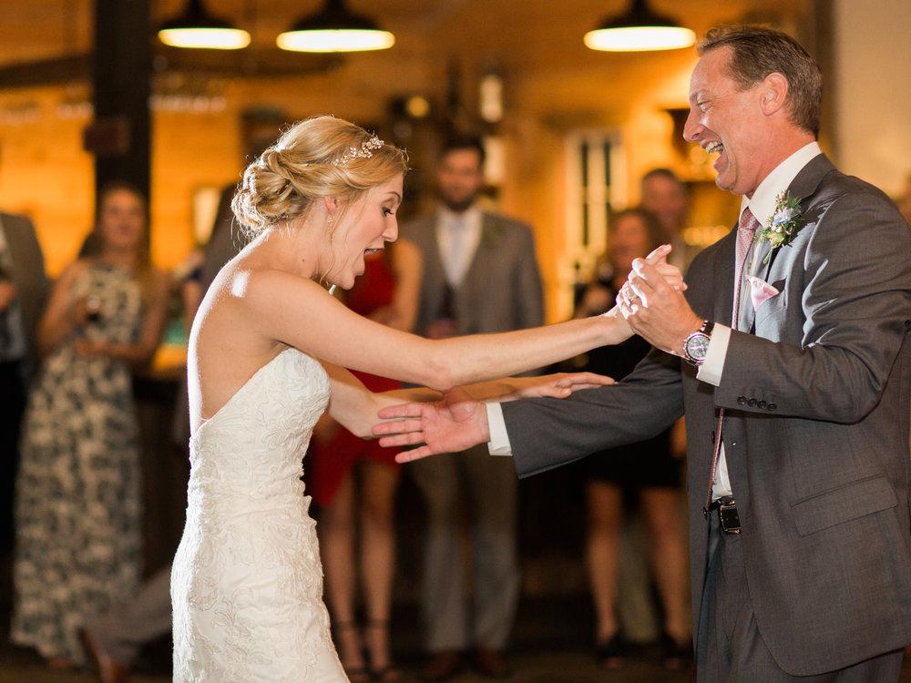 white-oaks-barn-wedding-dahlonega-ga-photographer-16.jpg