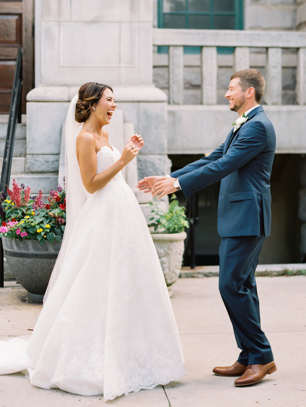 historic-dekalb-courthouse-wedding-first-look.jpg