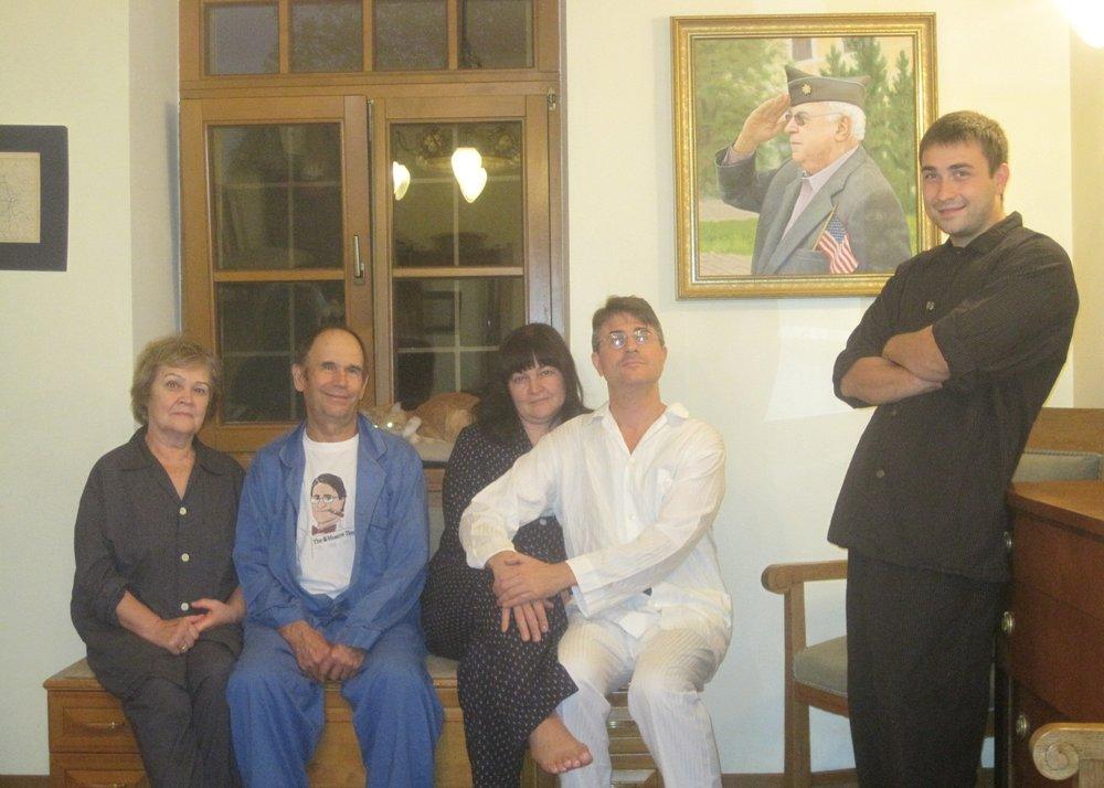На фото: пижамная вечеринка