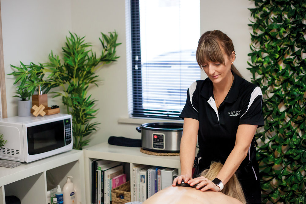Conveniently LOCATED IN NORTH PERTH. - Arrows is located inside Bobridge Cycle + Fitness.Our sound proof private massage clinic is located inside the gym allowing our clients access to all the facilities, including showers, foam rolling and the stretching areas. There is three hour free parking is available at the rear of the building behind the Italian Club.