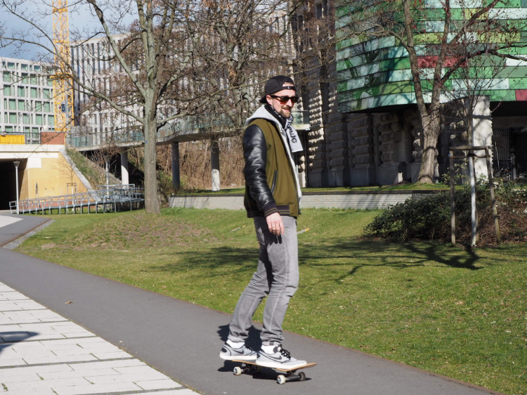 Simon_SkateBoard_nike