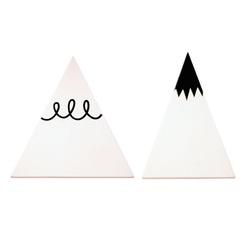 Wandhaken--weisse-Berge--von-A-Little-Lovely-Company.jpg