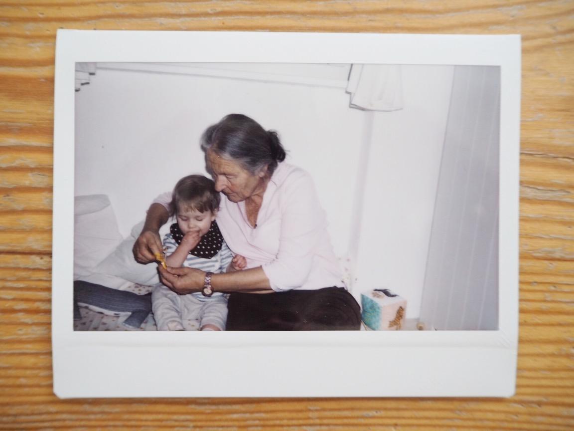 Need a Babysitter // Eine Oma für alle Fälle