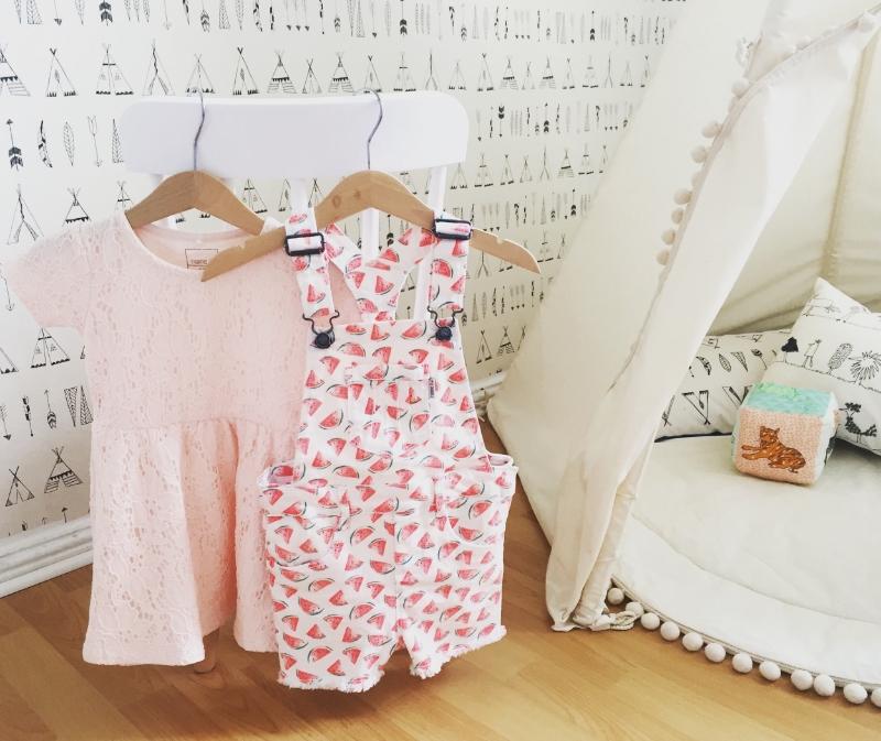 Mini Girls // Bunte Outfits für den Sommerurlaub