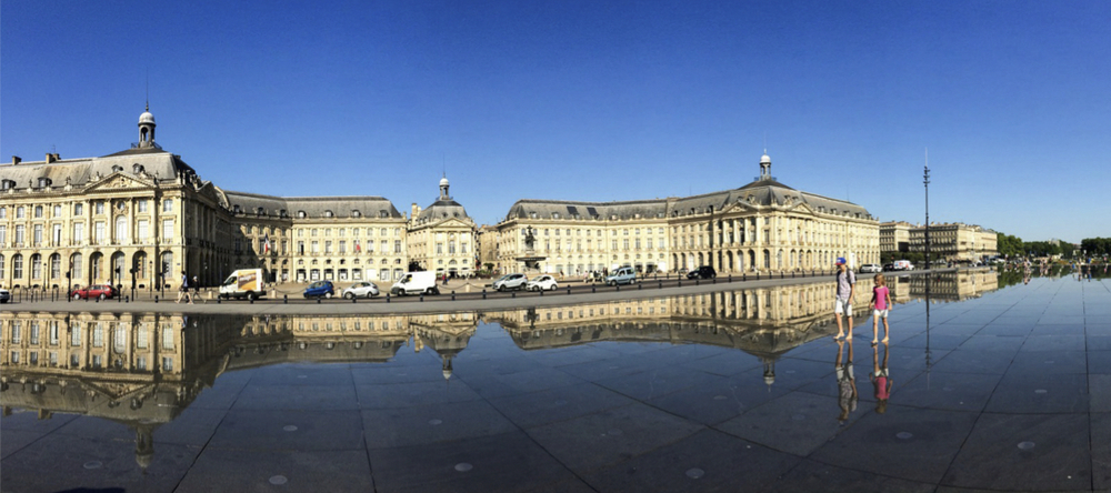 The Miroir d'Eau in Bordeaux.