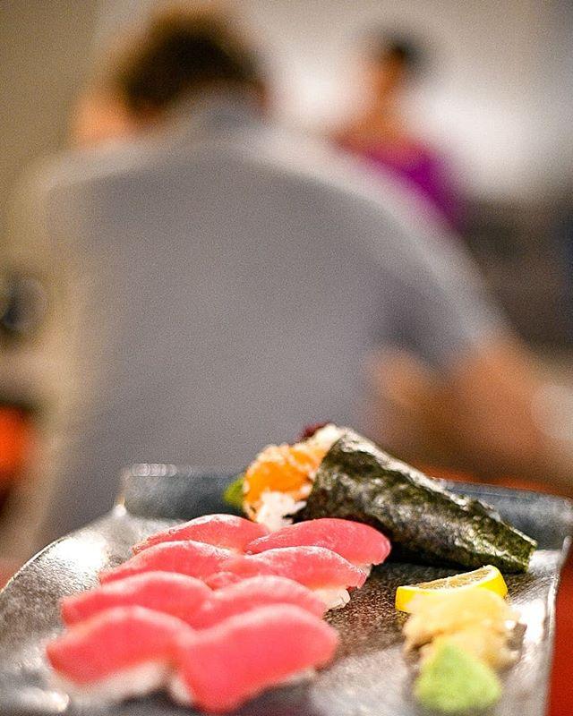 One thinks well, when dined well. #weserveawesomestuff #ikowien #asiancuisineinvienna . 😎📸@wynnflorante . . #freshfood #healthyfood #sushilove #sushivienna #bestrollsvienna #falstaffgastro #foodievienna #foodora #takeawayasian #loveiko #culinarygoodness