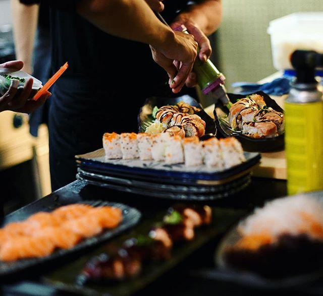 Let the party begin! 💃🏻 Enjoy your evening with us (& ofcourse the good stuff we serve!). #ikofamily #bepartofit #weloveiko . . 📸@wynnflorante . . #1010 #viennarestaurant #goodness #tasteful #asiancuisineinvienna #asianrestaurantaustria #falstaffgastro #?@falstaff.magazin #foodora @foodora.at #tasteasian #goodfoodvienna #kikkoman #bestsushiinvienna #bestinaustria