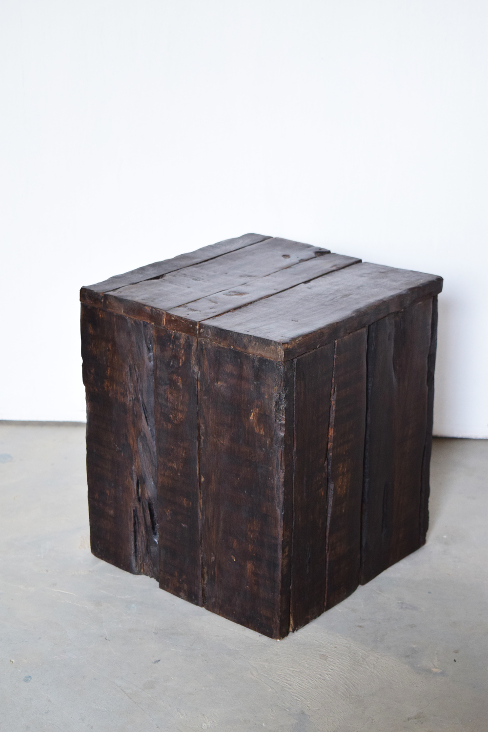 Sleeper cube stool