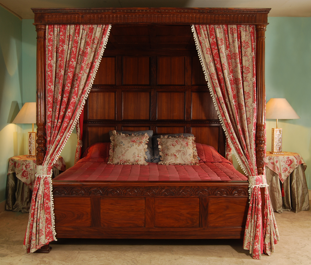 Victoria Four Poster Bed