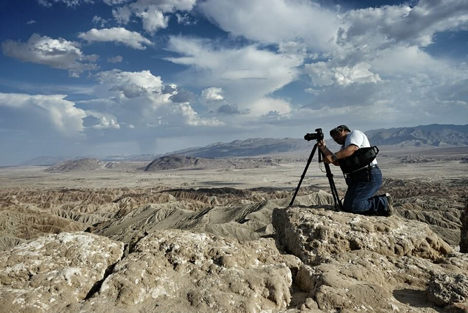 Photographing the edge of Fonts Point in Borrego Springs, CA