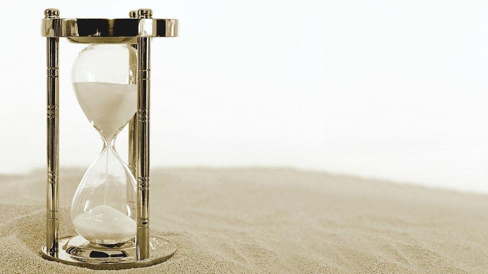 hourglass-2910948_1280.jpg