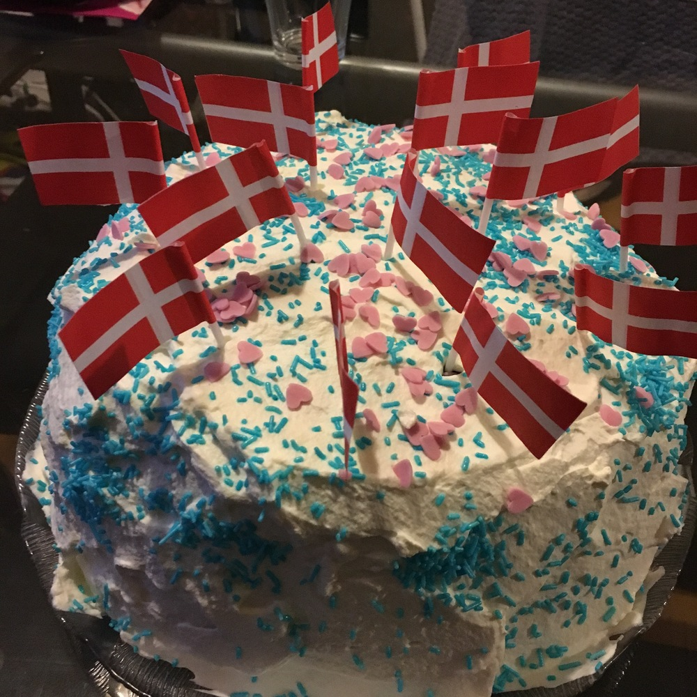 Cake, cake, cake, cake...