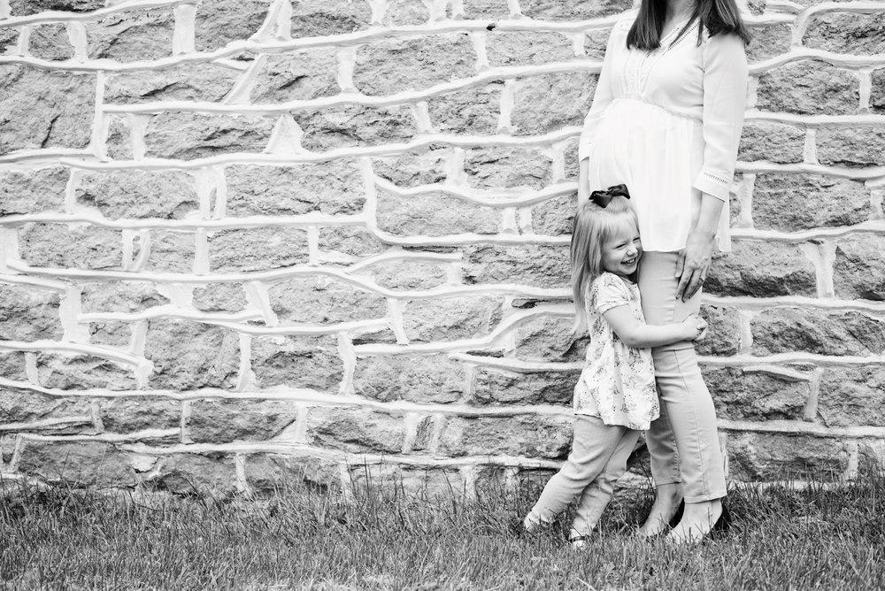 Steele_Maternity_007 BWjpg.jpg