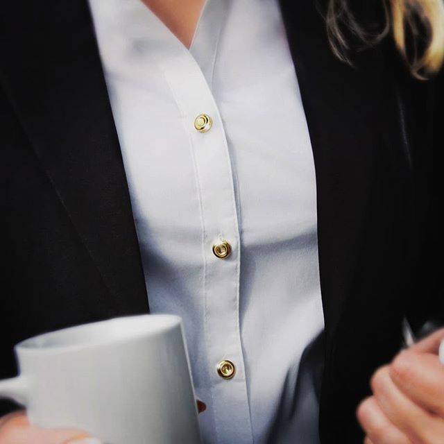 Think Different, Look Different! Interchangeable Shirt Accessories 👓💎 NOW ON - https://t.co/VlMpUbdJ9x  #fashion #style #kickstarter #womenswear #womensfashion #jewelry #Accessories https://t.co/k8YwaoUmjw