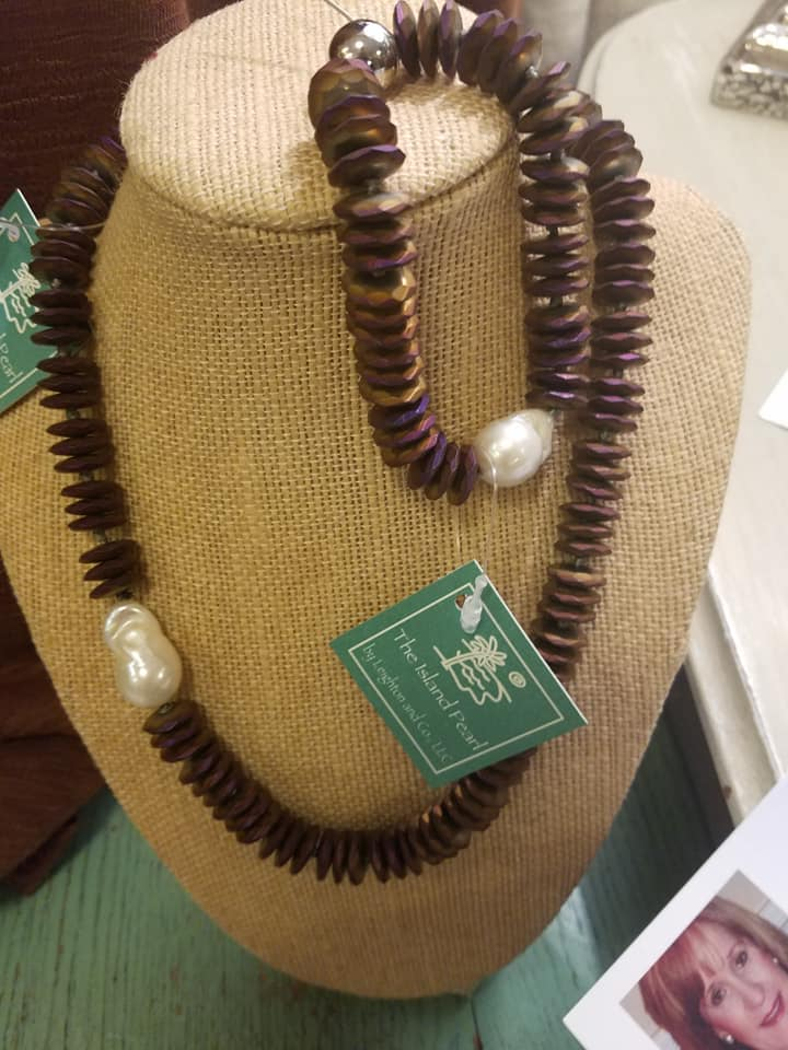 island-pearl-chunky-necklace.jpg