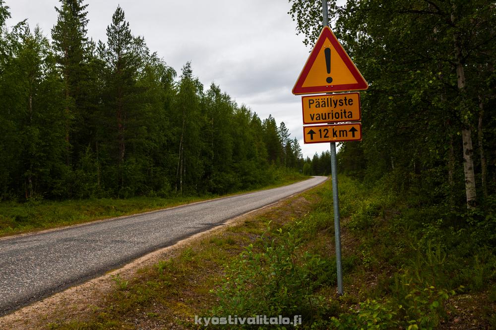 Tällä tiellä varoitukset ovat aiheellisia
