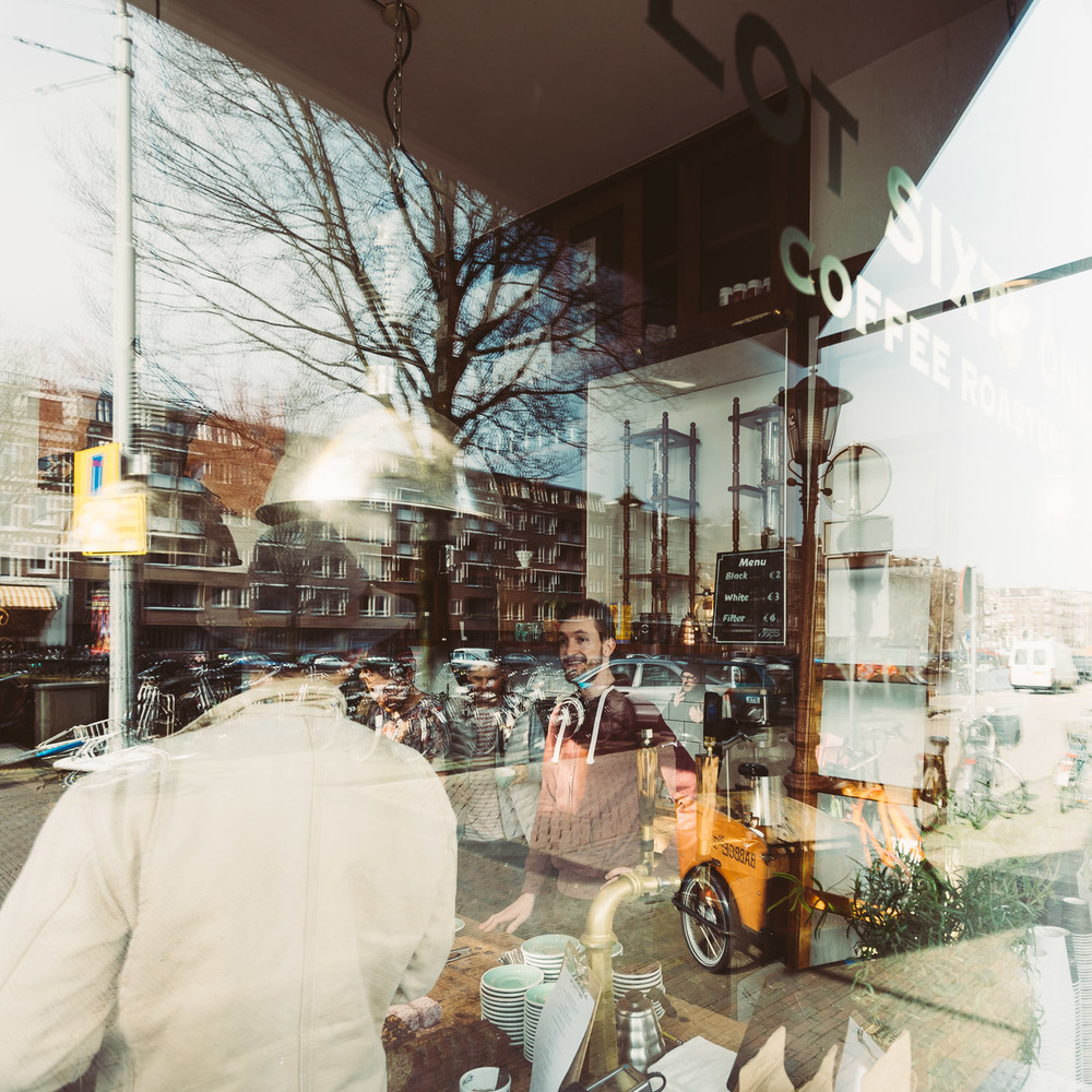 Lot Sixty One Coffee Roasters in Amsterdam - Barista view from outside