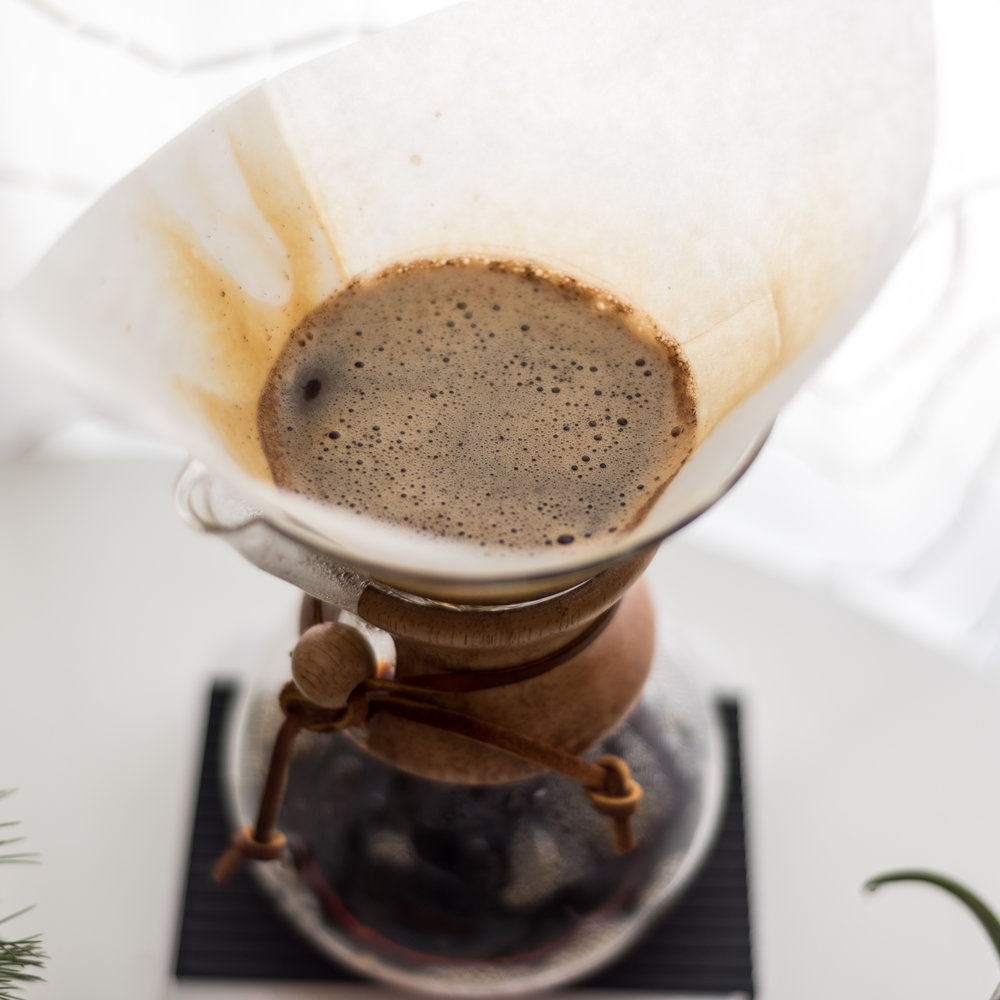 Chemex Coffeemaker to get your pour over game on point - FOODIE GIFT IDEAS - THE ULTIMATE GIFT LIST FOR MODERN MEN
