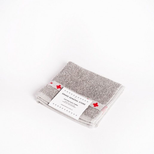 This face towel by Drake General Store is so soft and so exfoliating at the same time, I just love it! - GROOMING GIFT IDEAS - THE ULTIMATE GIFT LIST FOR MODERN MEN