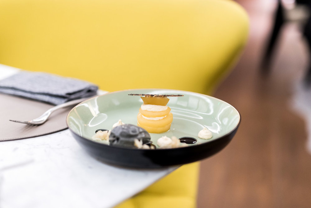 Poire pochée au thé au ORIGIN Restaurant -Toutes les photos sont sous Copyright © 2017 Jeff Frenette Photography / dezjeff. Pour utilisation des photos, me contacter au dezjeff@me.com