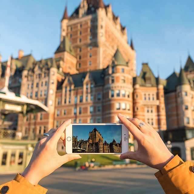 Quite an iconic view in @quebecregion! 📸📱#jeffontheroad #explorecanada #quebecjetaime #quebecregion #beautifuldestinations #fromwhereishoot