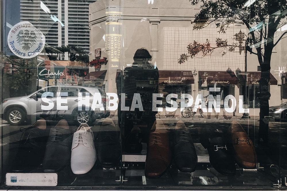 se_habla_español _0006_IMG_1941.jpg
