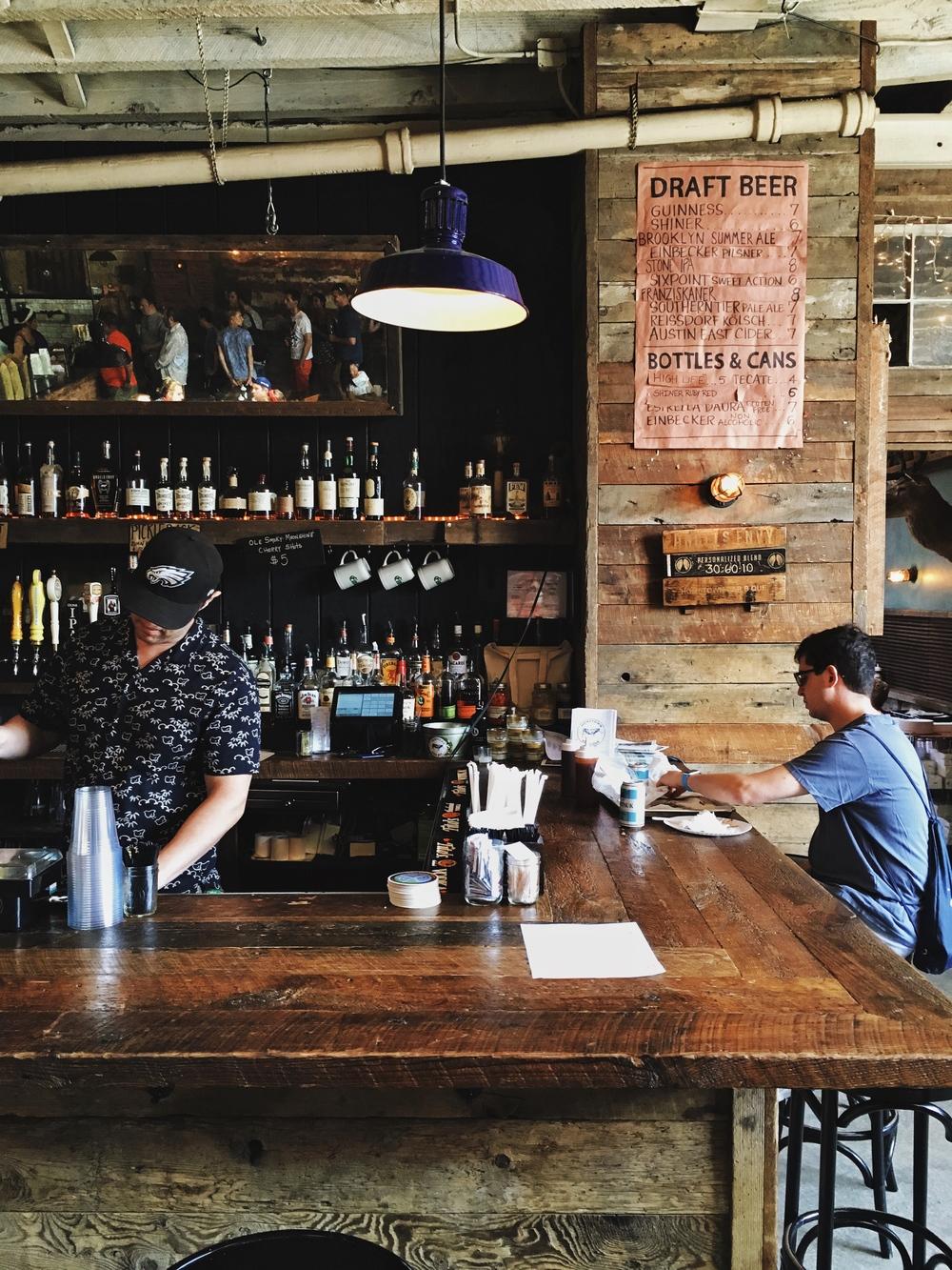 hometownbbq_bar
