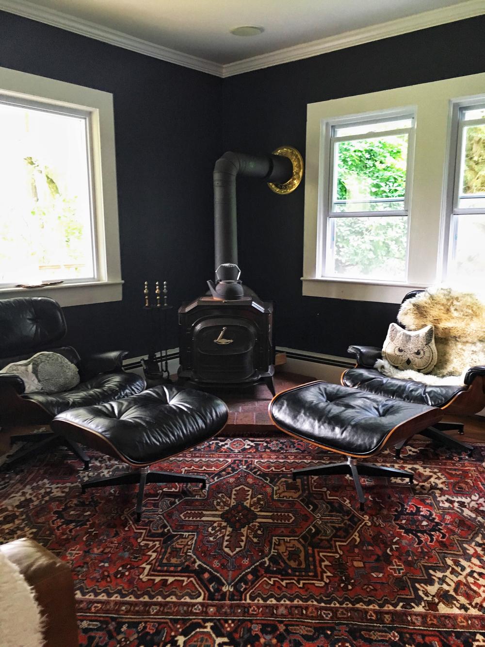 silent_g_living_room