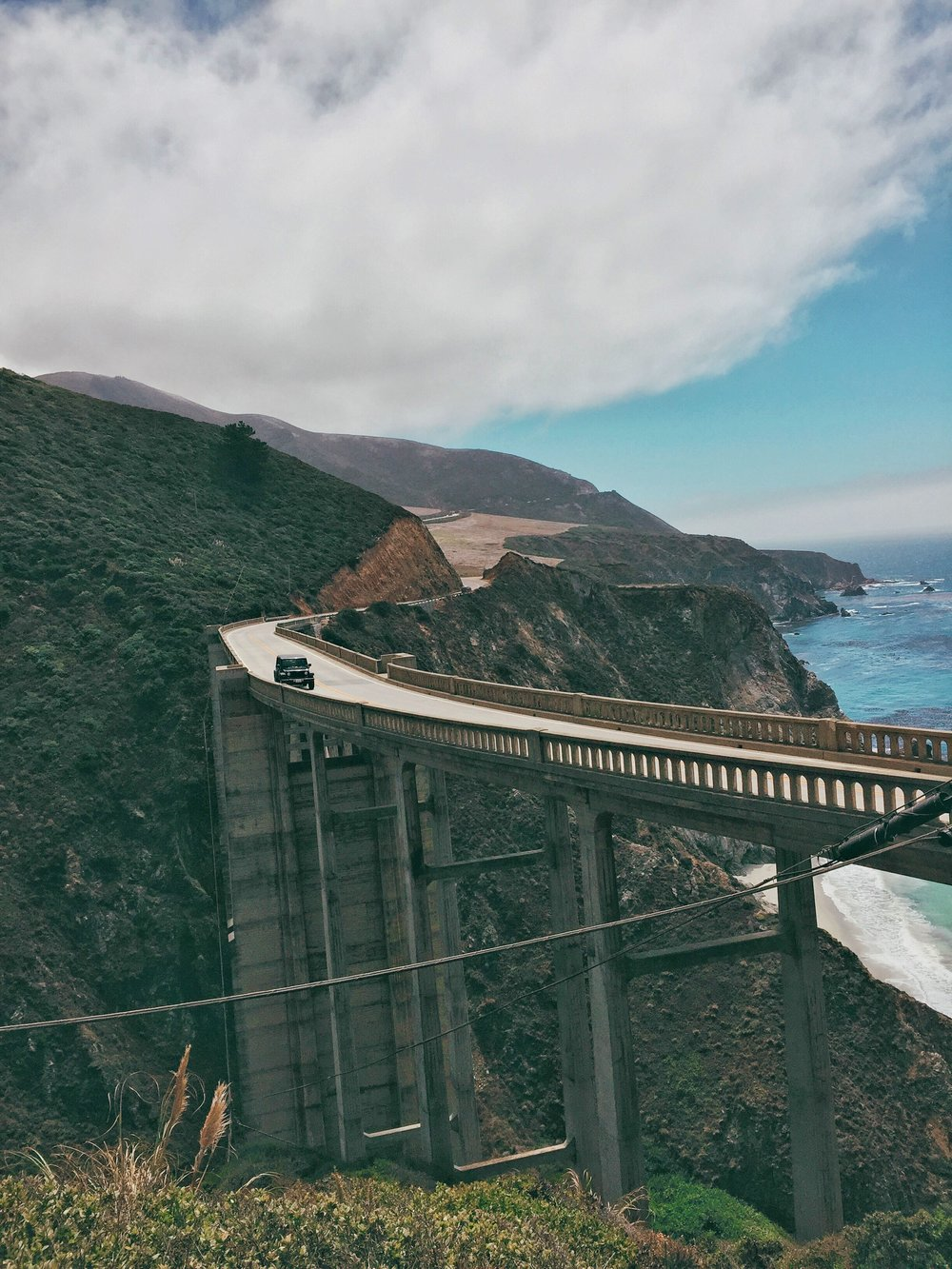 bixby_creek_bridge_jeep