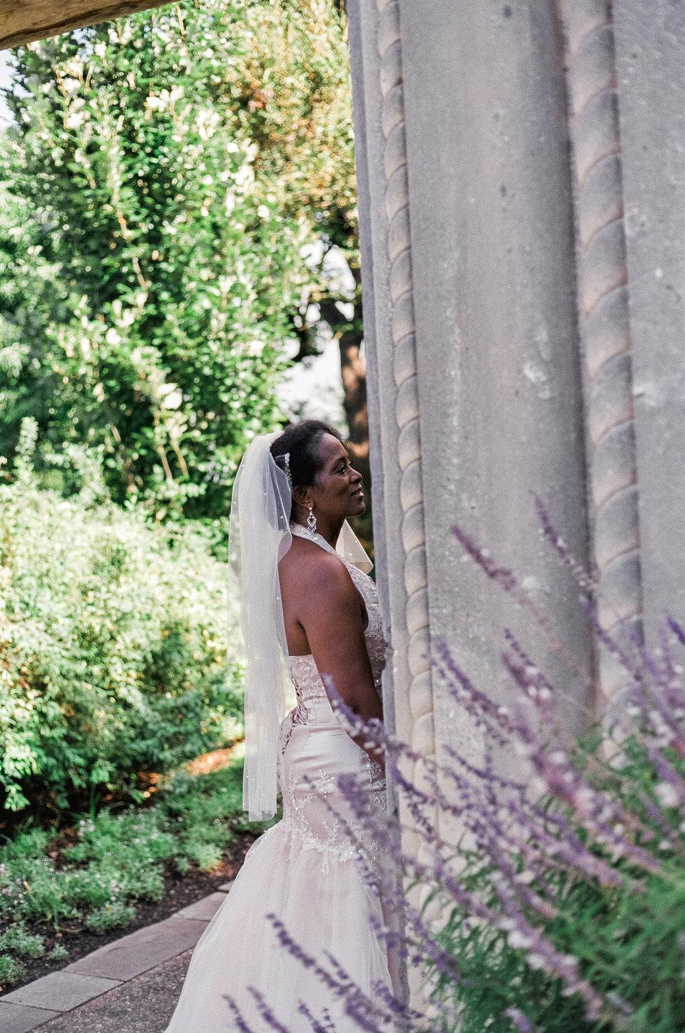bride portriat dallas aboretum
