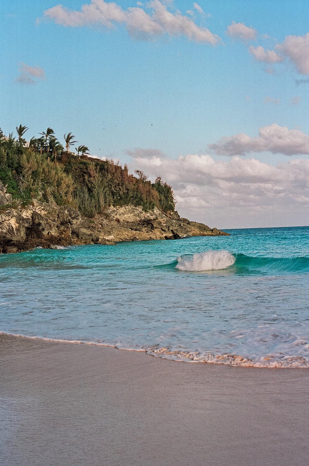 bermuda tuckers point beach club
