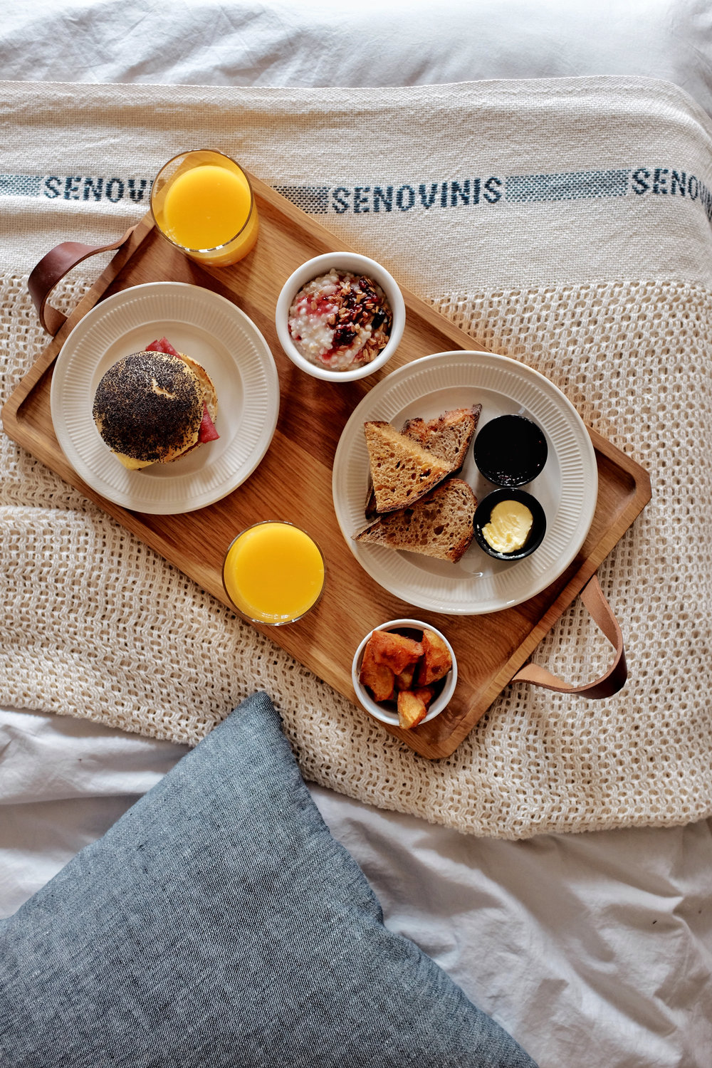 breakfast in bed lokal hotel