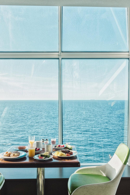 breakfast on royal caribbean