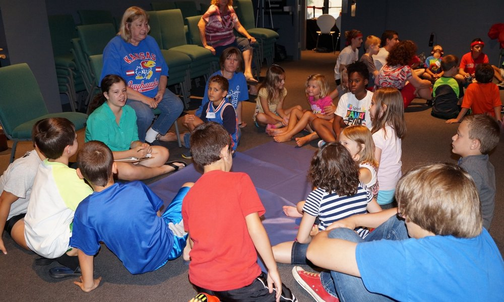 Page_16-KidsCampGroup02.JPG