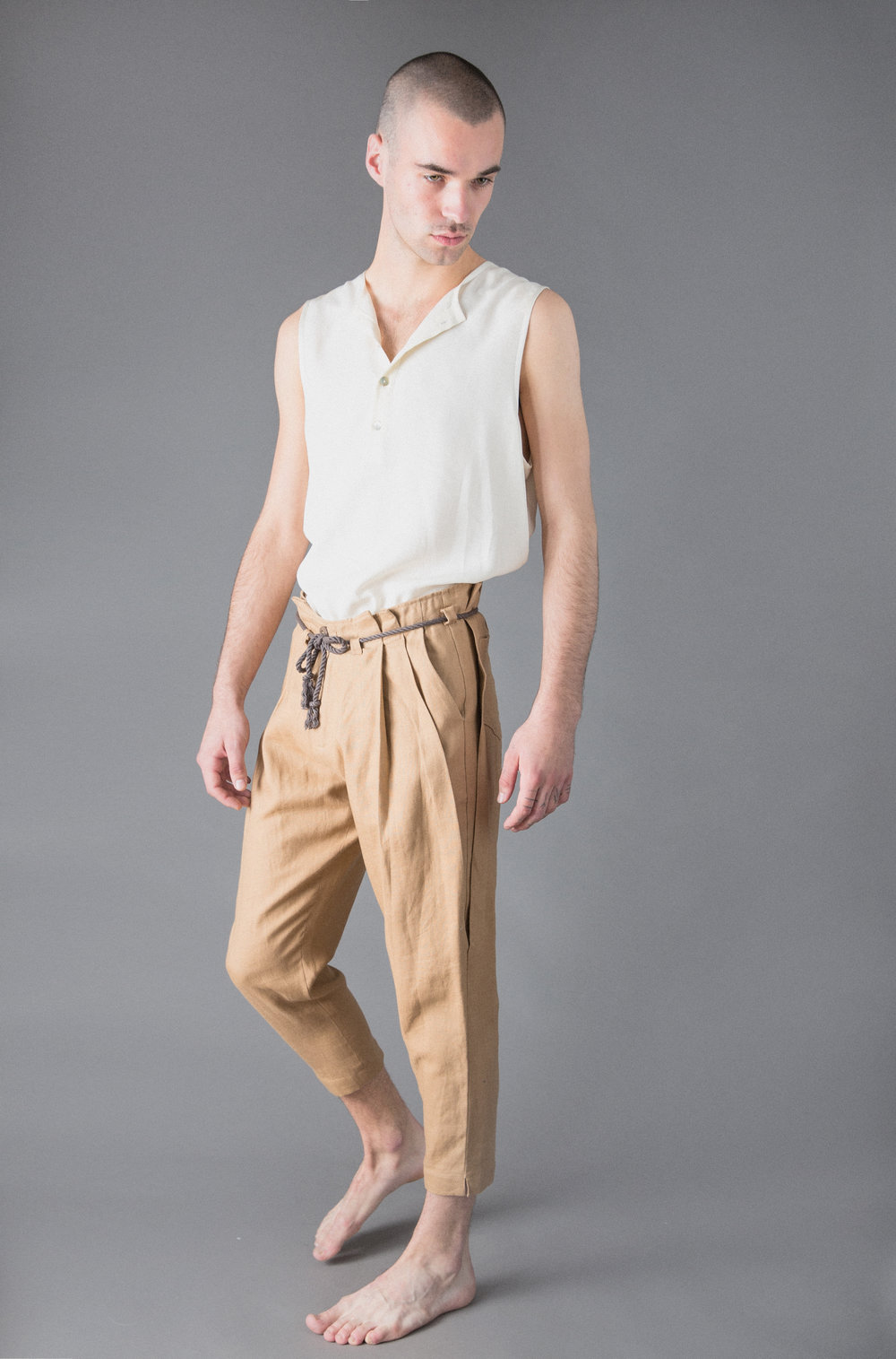tensel vest, pleated linen trousers