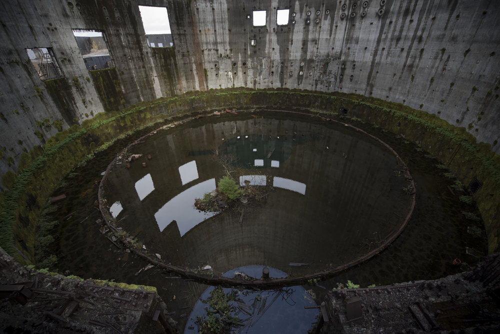 Ashbee Nuclear reactor pool.jpg