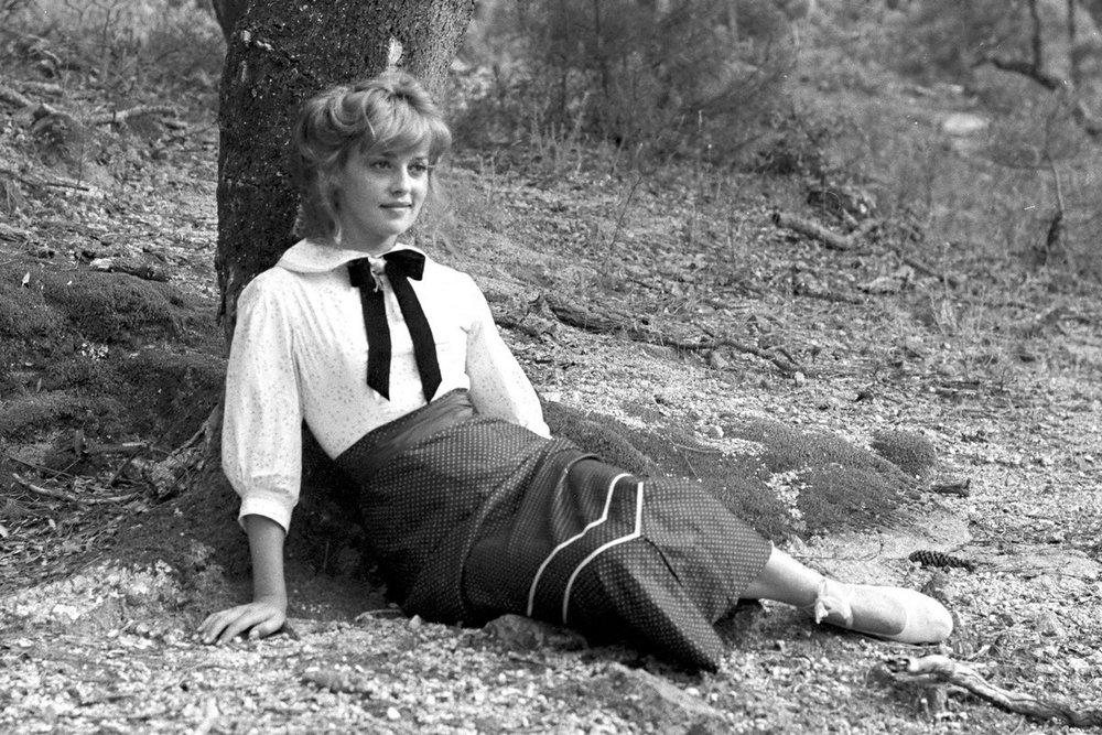 Jeanne-Moreau-in-Jules-et-Jim-directed-by-François-Truffaut-1962-by-tree-1.jpg