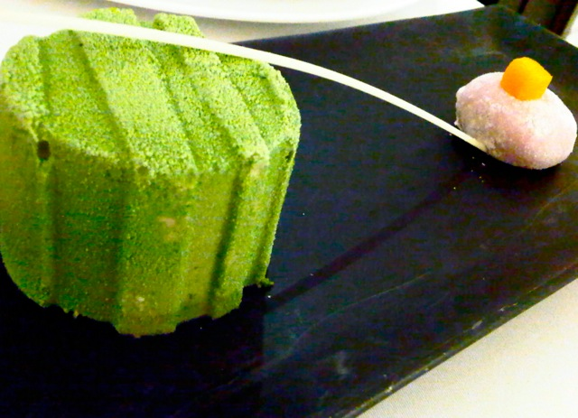 MATCHA CHEESECAKE WITH MOCHI
