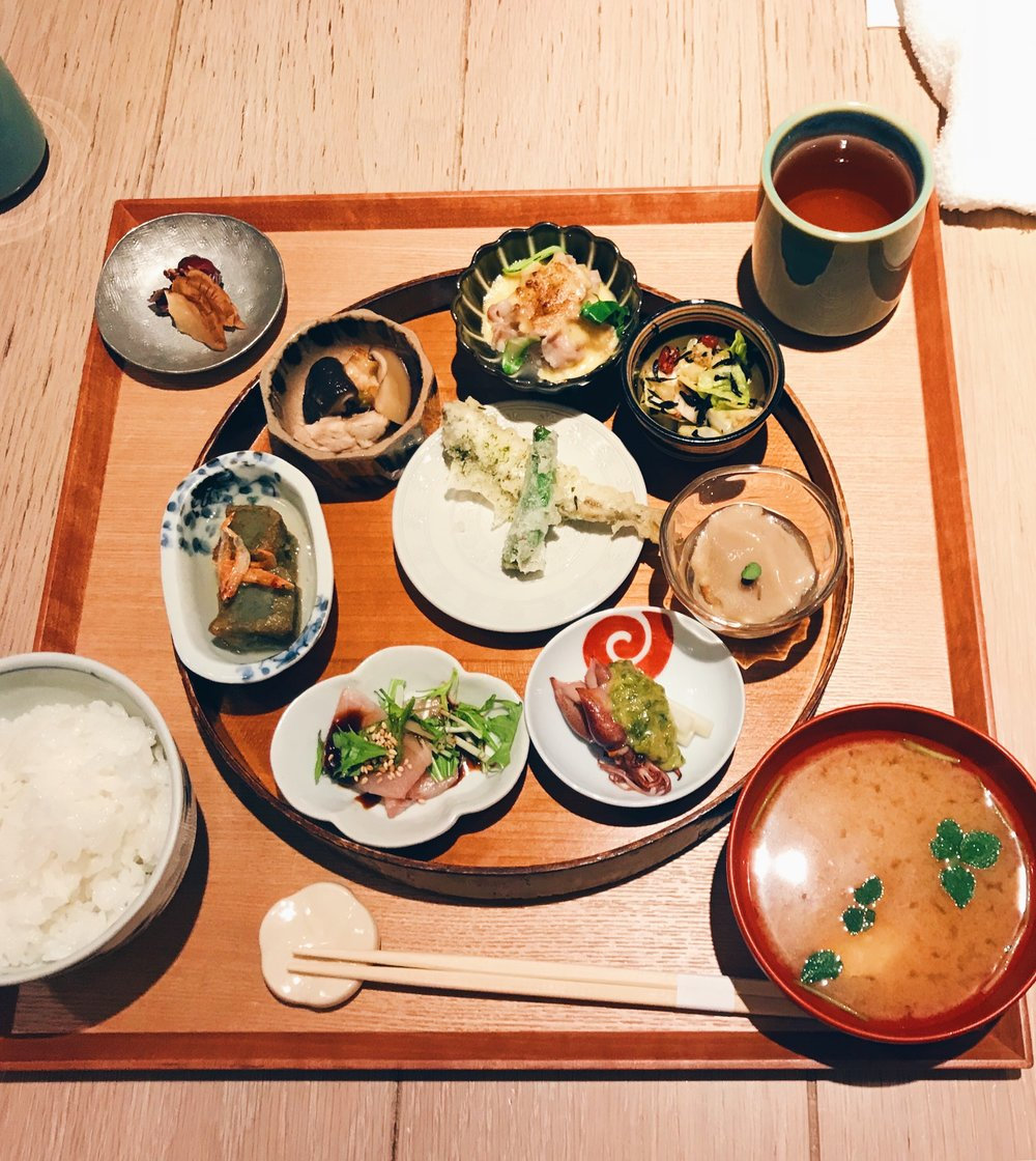 The set lunch at  Akomeya  with rice from Niigata