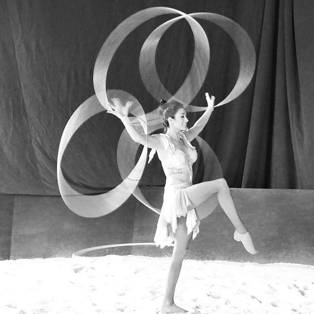 1 week away!💪 #WINNtertainment #NatashiaWinn #daredevildiva #highspeed #hoops #hulahoops #HansWinn #daredevil #stunt #team #Skymasters #performers #circus #circusartists #aerialistsofinstagram #cirqueduinsta #circusaroundtheworld #NewJersey #areyouready?
