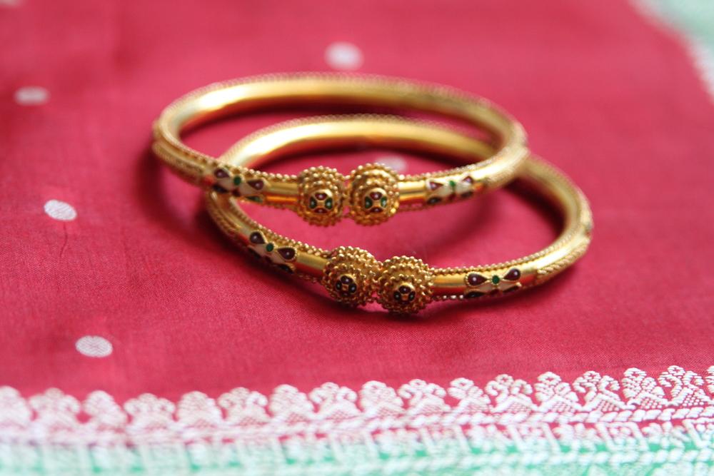 Dress code u th wedding anniversary