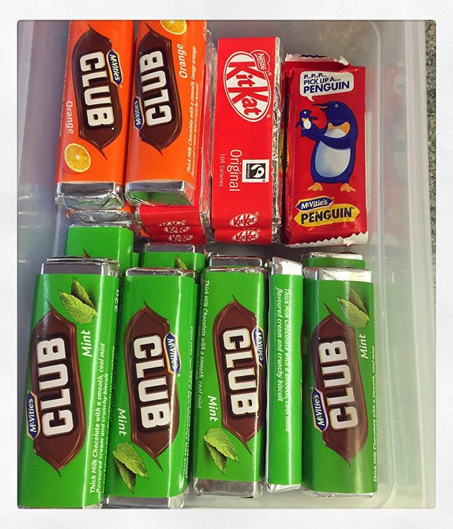 If you like a lot of chocolate on your biscuit, join our club. Nostalgic moments enjoying a mint club 😄 #nostalgic #clubbuscuits #club