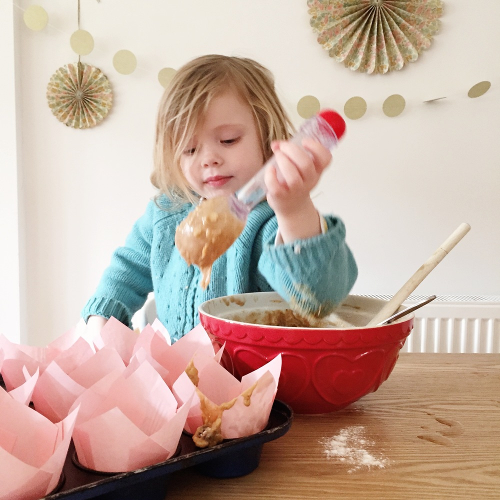 Baking with children : Make Believe