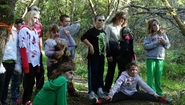 Rd-2016-10-08-4159-zombie-kids.JPG