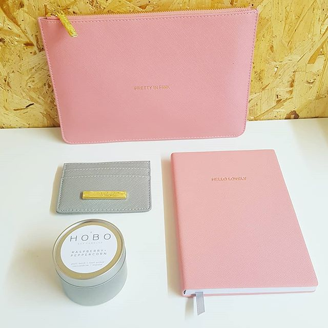 """Our """"Pretty in Pink"""" box 😍 Loved wrapping one of these beauties up to send out yesterday. A Katie Loxton trio (notebook, pouch and cardholder) and a Hobo soy candle create a box crammed full of luxury and truly lovely things.  www.sendabox.co"""
