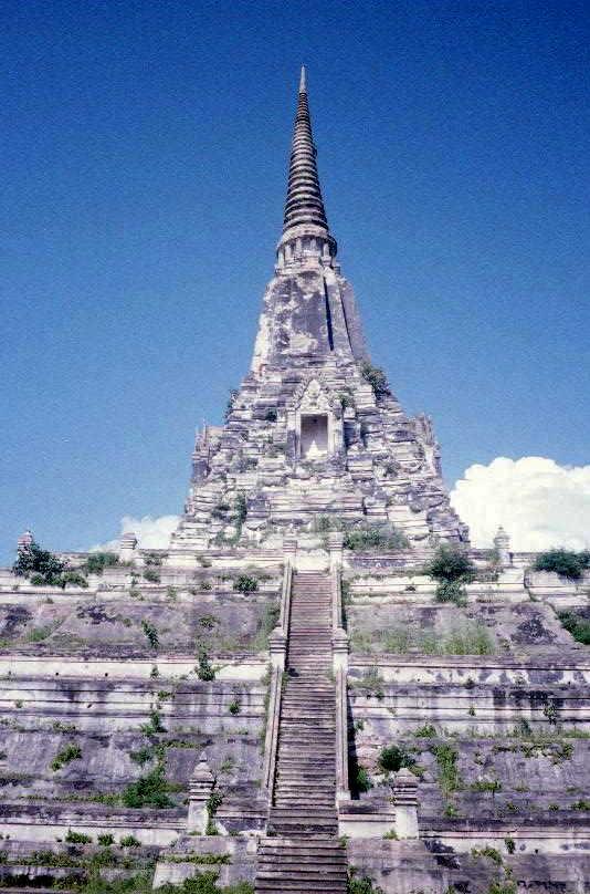Ayyuthaya, the Burmese pagoda